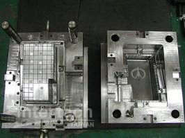 plastic-mold-3